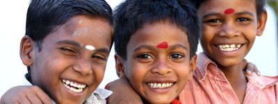 lachende indische Kinder